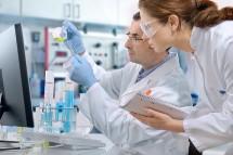 genetic-testing-lab
