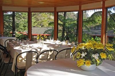 Beautiful Table Settings at Swach